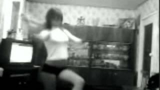 Алиса Савелина танцует!)15 лет было))