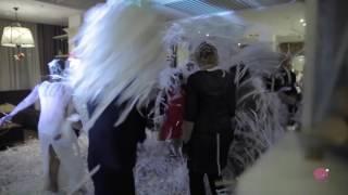 Бумажное шоу на свадьбе Алексея и Марины.