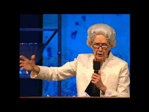 """I Am in the Hands of the Lord"" – Sister Vesta Mangun (Minute Clip)"