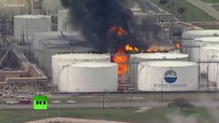 Крупный пожар на нефтехранилище в США