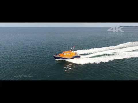 TENBY LIFEBOAT - RNLI Lifeboat - Tenby Lifeboat launch - 4K HD
