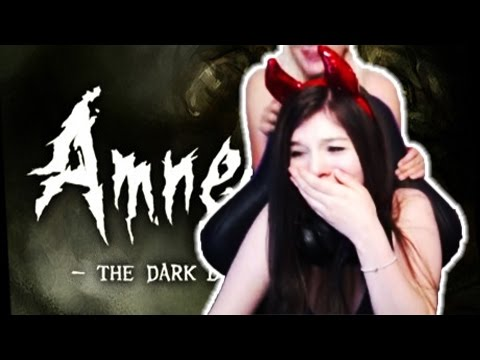 Twitch Girls Get Spooked #1 | Amnesia: The Dark Descent