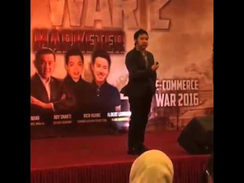Denny Santoso on Stage at Ecommerce War 2 Jakarta, 5-6 May 2016