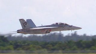 F/A-18 Super Hornet - Touch And Go w/ Afterburner