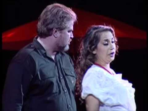 "Echauri sings ""Seguidilla"" from CARMEN"
