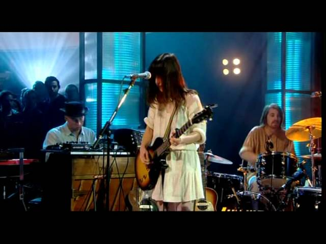 feist-how-come-you-never-go-there-later-with-jools-holland-sinisterdevilcheese