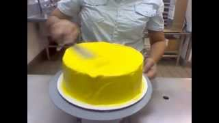 how to frost an ice cream cake