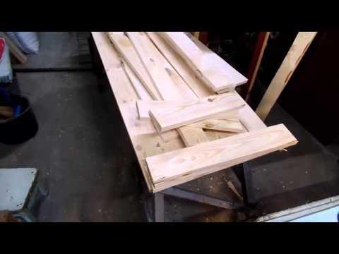 Бюджетный деревянный лежак сделанный своими руками в сжатые сроки