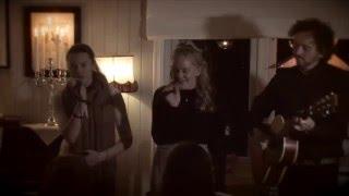 """Jul i svingen"" - (m/tekst) Jenny Louise Helt (13) & Pernille Hogstad (15)"