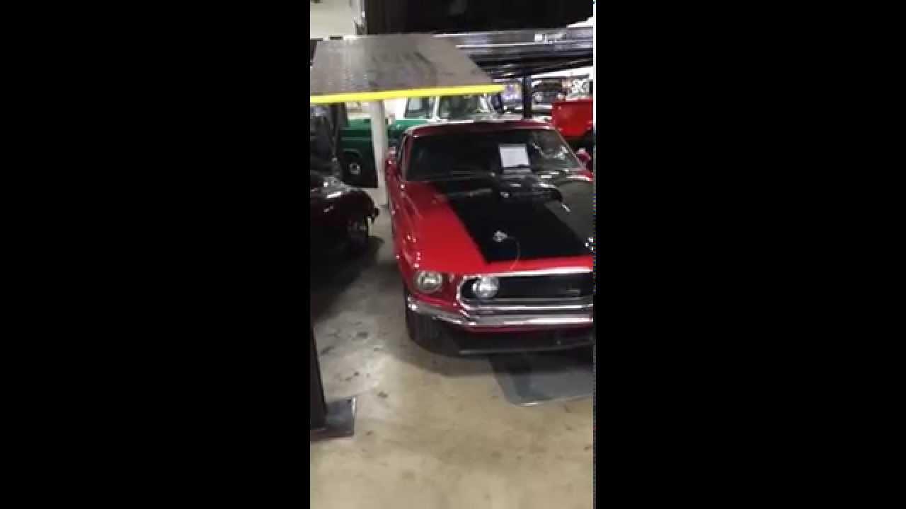 A look inside Worldwide Vintage Autos - YouTube