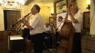 trad jazz featherstone jazzmen play live