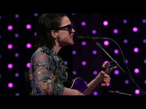 St. Vincent - Los Ageless (Live on KEXP)