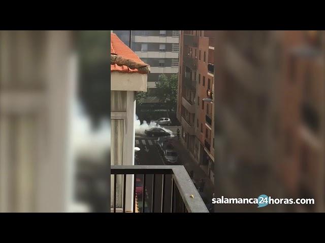 Arde un vehículo en la Avenida de Villamayor