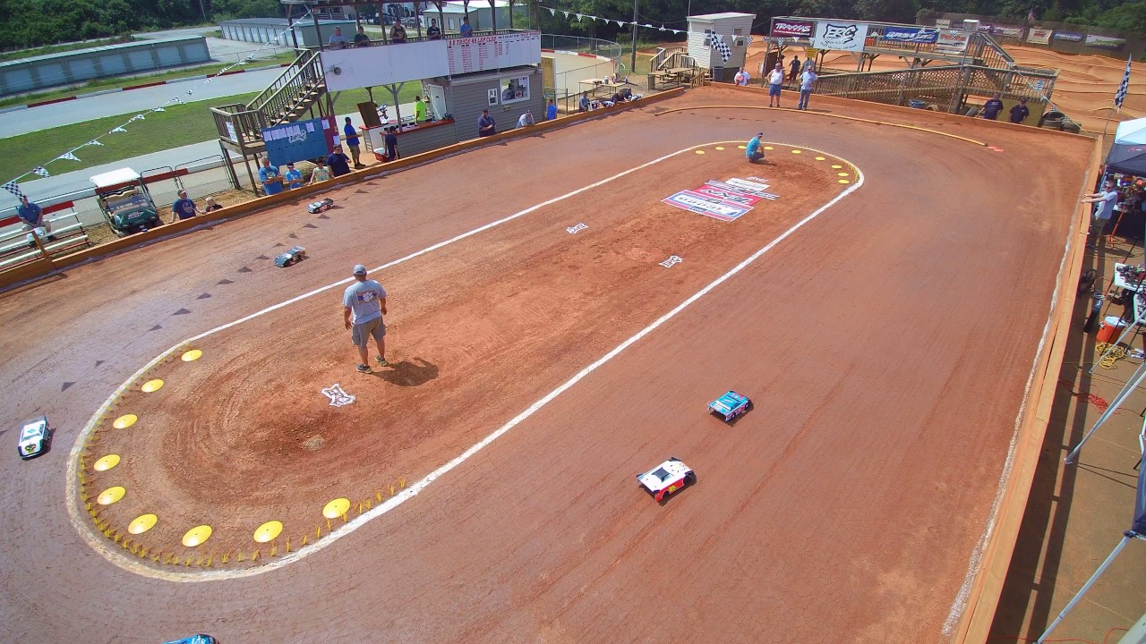 Dirt Oval RC Track at The Hobby Connection
