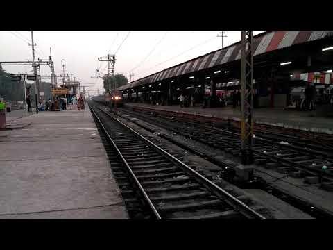 Jharkhand SK Express, skipping GAYA @ Pf 1.