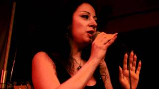 karina edem - live at ulikhanian club, yerevan 28 10 2010 (La Bamba ) mp3