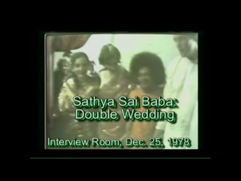 Rare video of Sathya Sai Baba performing  two marriages DEC 25,1978.mp4
