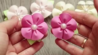 Grampos de cabelo pequenos com flores de E.V.A