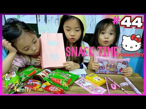 Hello Kitty Party Bag (ST12) Snack Time Food Review Challenge Funny Kids Videos #44 Genesis Family +