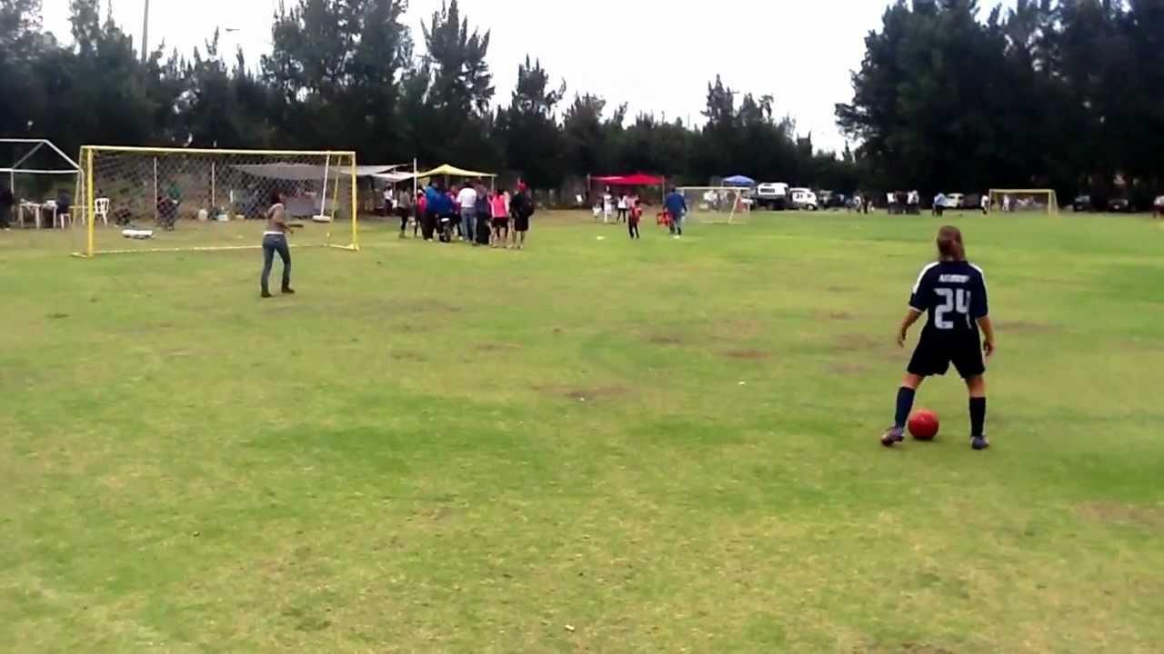 Las Mejores Niñas Jugando Futbol