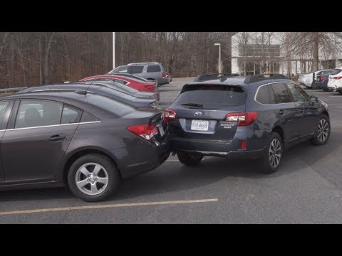 Subaru Outback Without And With Rear Autobrake - IIHS Demonstration