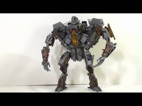 Video review of Transformers Hunt for the Decepticons; Leader Class Starscream