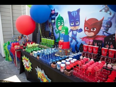 fiesta de heroes en pijama mesa dulces party masks