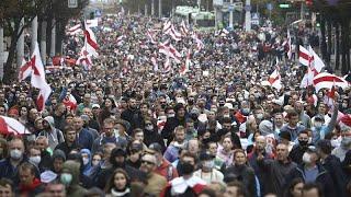 Belarus'ta protestoların 50'nci gününde binlerce eylemci sokakta