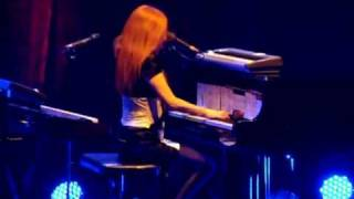 Tori Amos Live In Paris - Smokey Joe (Version 2)