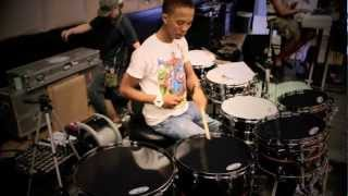 RAMON SAMPSON | EVANS BLACK CHROME DRUMHEADS