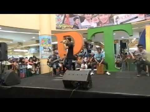 LUNK live acoustic teman biasa (cover five minutes)