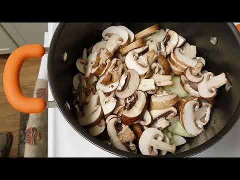 Healthy Chicken Scallopini With Mushrooms And Onions