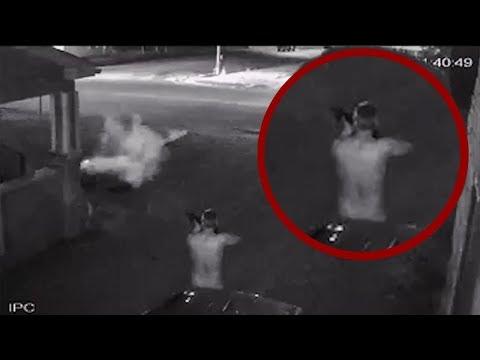 МУЖИК В ТРУСАХ расстрелял полицейских из AR-15 [полуавтоматическая винтовка]