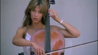 Sophie Marceau spielt Violoncello