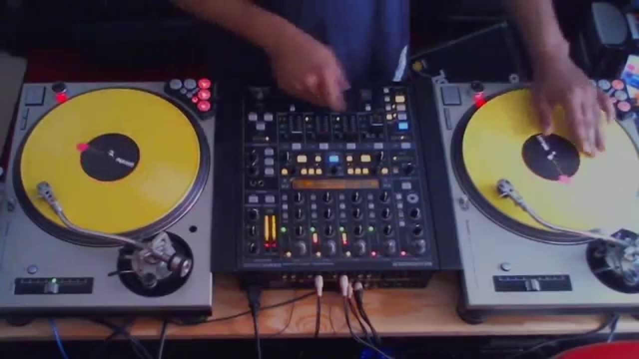 DJ MANISH Ten Crack Commandments Juggle Practice - YouTube