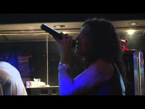 1 min karaoke - A Canadian Karaoke Story