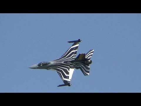 F16 fighter exhibition at Lisbon Air Race 2016 (ARC 2016)