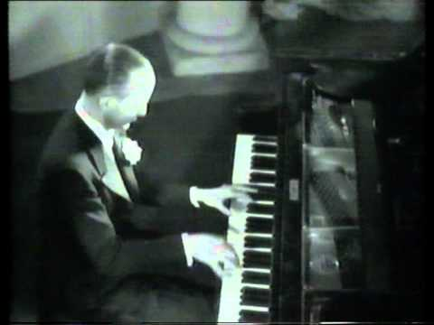 Charlie Kunz, piano, Medley, 1934 footage.