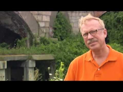 Gary Burton - Interview - 8/15/2004 - Newport Jazz Festival (Official)