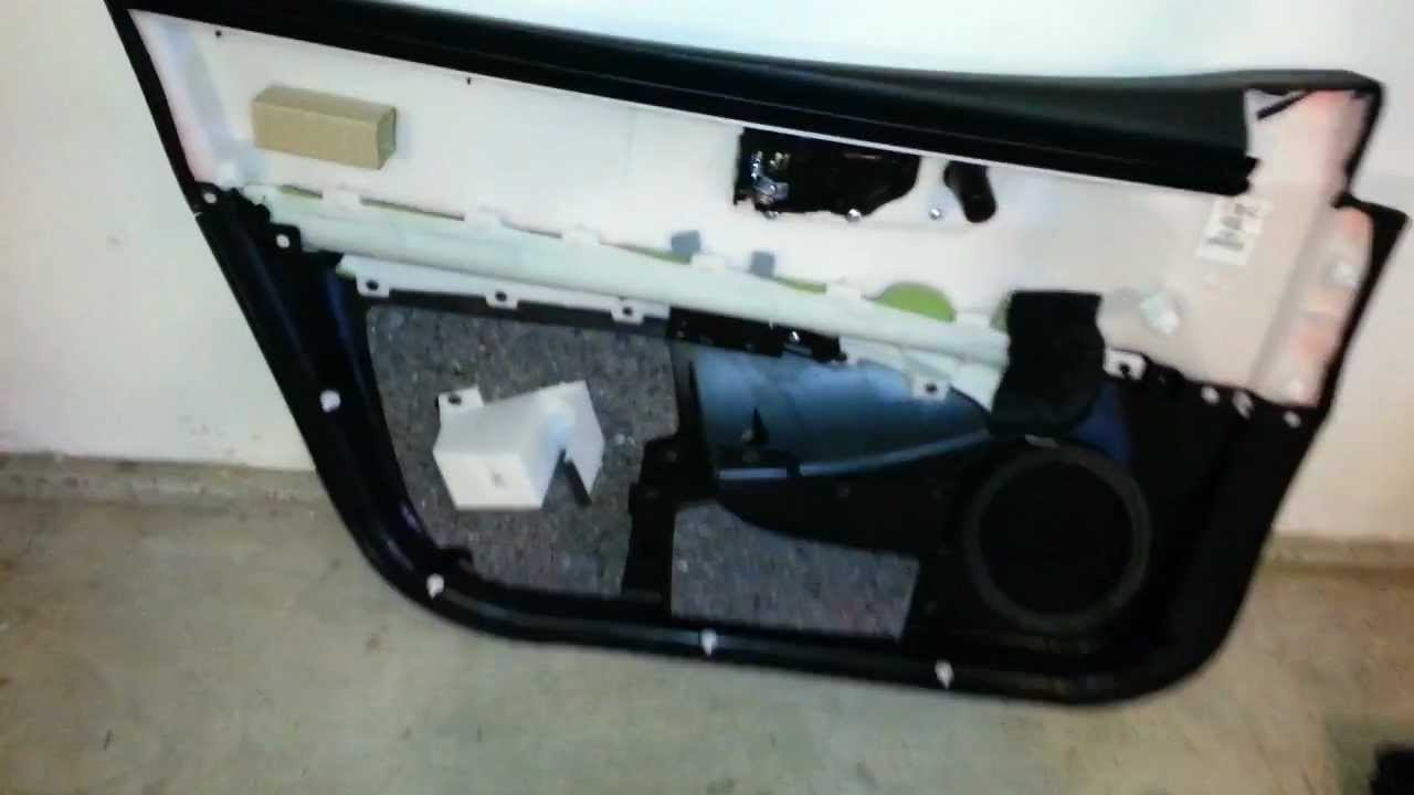 2011 Nissan Rogue SUV - Front Passenger Door Panel Removed ...