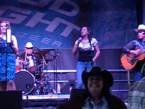 Los Texas Wranglers SA rodeo 2 17 13 Aye Papacito