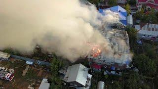 В Самаре выгорели восемь зданий из-за детской шалости с огнем.