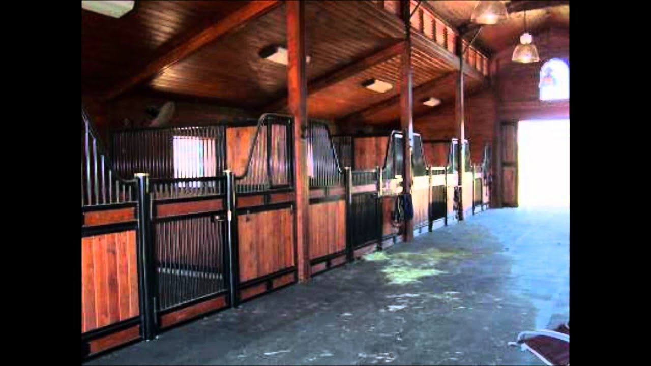 Monitor style horse barn youtube for Small monitor barn