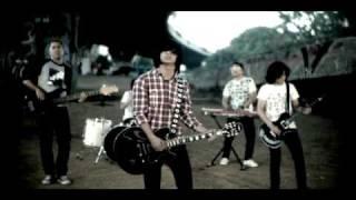 Hujan - Dugaannya (Music Video)
