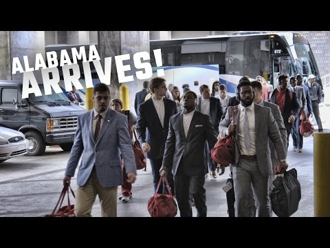 Alabama is all business as they arrive at the SEC Championship