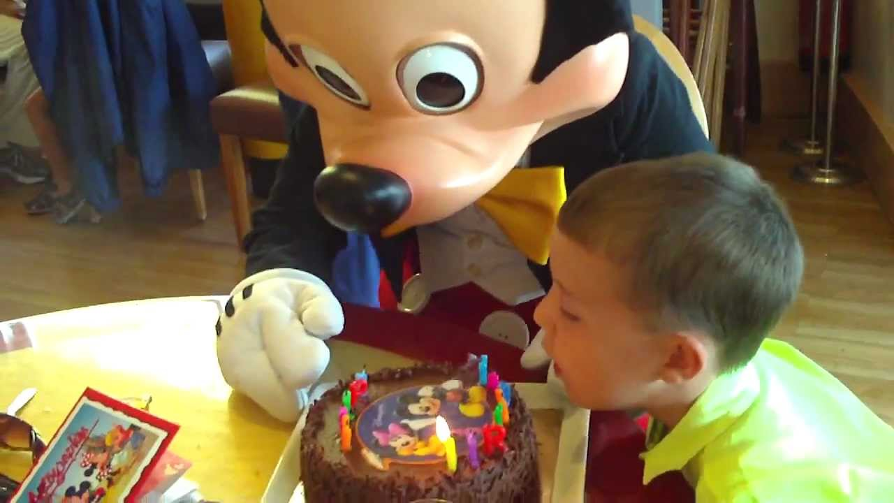 Mickey Mouse Cafe Mickey Disneyland Paris 372012 YouTube