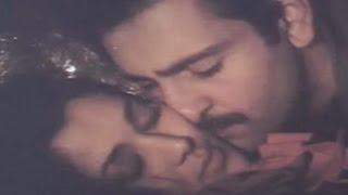 Download Video Rajeev Kapoor, Mandakini, Hot Kissing Scene - Hum To Chale Pardes MP3 3GP MP4