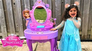 Kids Pretend Play Princess Dress Up w/ Pink vanity Girl Toys
