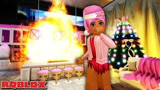 MY NEW ROYALE HIGH APARTMENT GOT SET ON FIRE 🔥 | Roblox