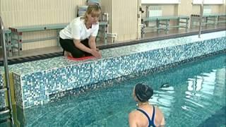 видео как научиться плавать